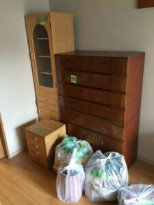 洋服ダンス、食器棚、収納棚、引っ越しゴミ